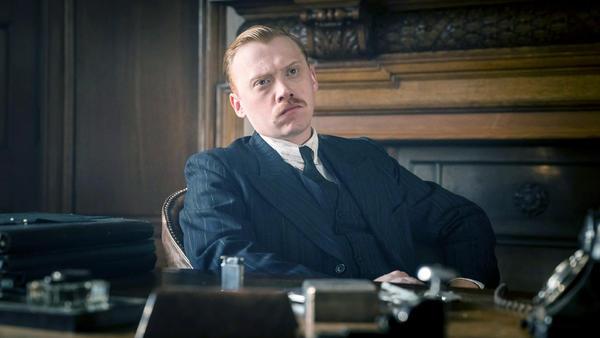 Rupert Grint ist Inspector Crome