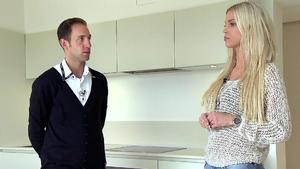 Model flirtet mit Marcel Remus