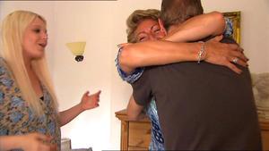 Opas Sparbuch treibt geldgierige Ehefrau zur Weißglut