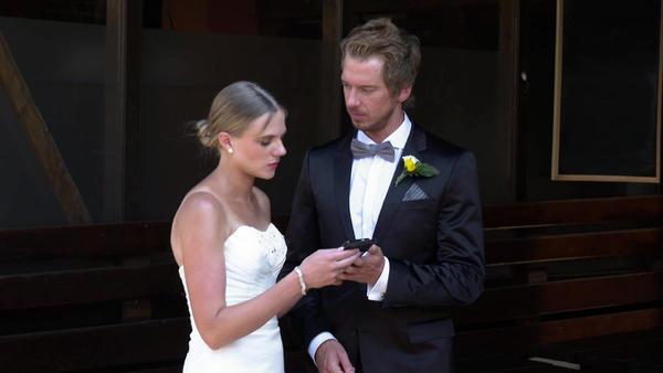Braut befürchtet, dass Hochzeit nach Feueralarm ins Wasser fällt