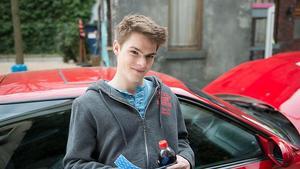 Moritz will bei Kira punkten
