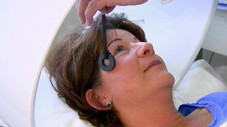 Eine Frau droht zu erblinden | Folge 1