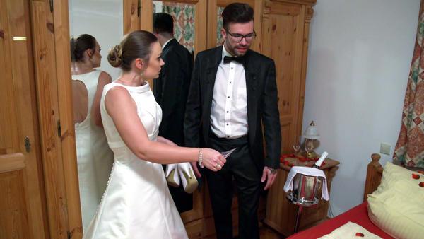 Ehemann setzt nach der Hochzeit seine Ehe aufs Spiel