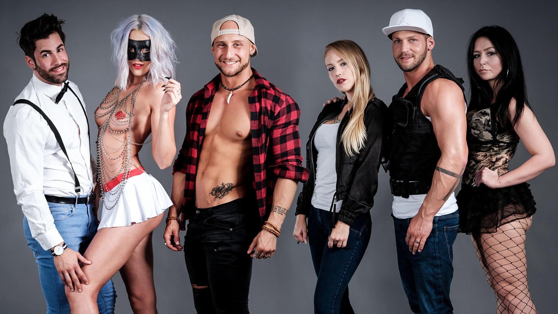 Chris hat seine eigene Stripper-Agentur gegründet