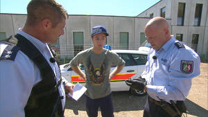 17-Jährige von Schrottpresse gerettet