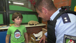 Waffenalarm im Kindergarten | Enkel bestehlen Oma | Einsames Mädchen | Aus Eifersucht verprügelt