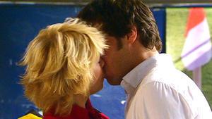 Verliebt sich Julian in Diana?