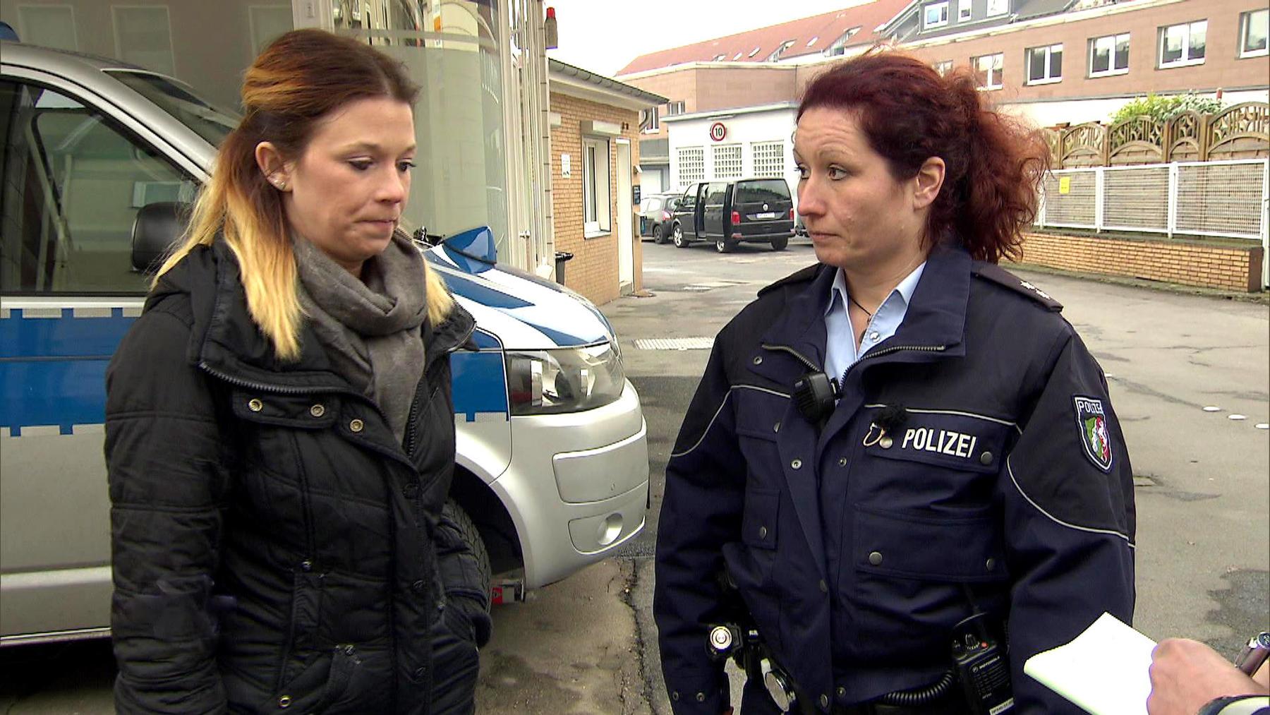 19-jähriges Camgirl wird in ihrer Wohnung überfallen   Baby wird entführt   Familienvater scheint gr