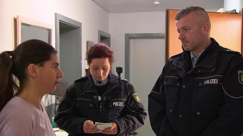 Folge 11 vom 19.02.2021   Die Straßencops - Jugend im Visier   Staffel 4   TVNOW