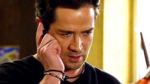 Marian erhält einen Hilfe-Anruf von Nadja