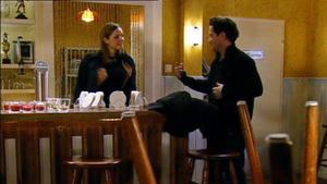 Jenny erfährt, dass Maximilian Simones Sohn ist