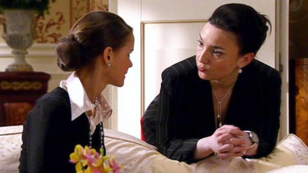 Simone verlangt, dass Jenny intensiver trainiert