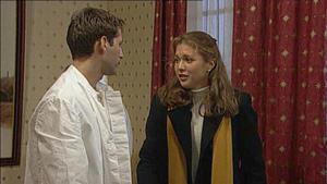 Lars kehrt nach seiner Aussprache mit Stephanie ins Hotel zurück
