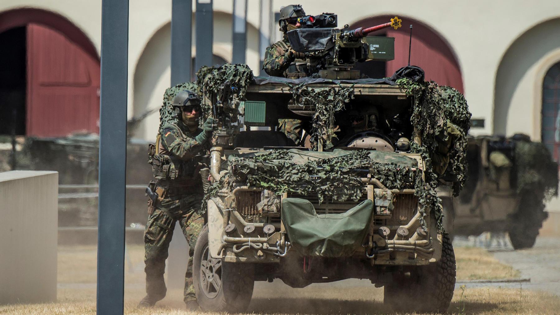 Teil 1/2, Das KSK - Gemeinsam gegen Terror