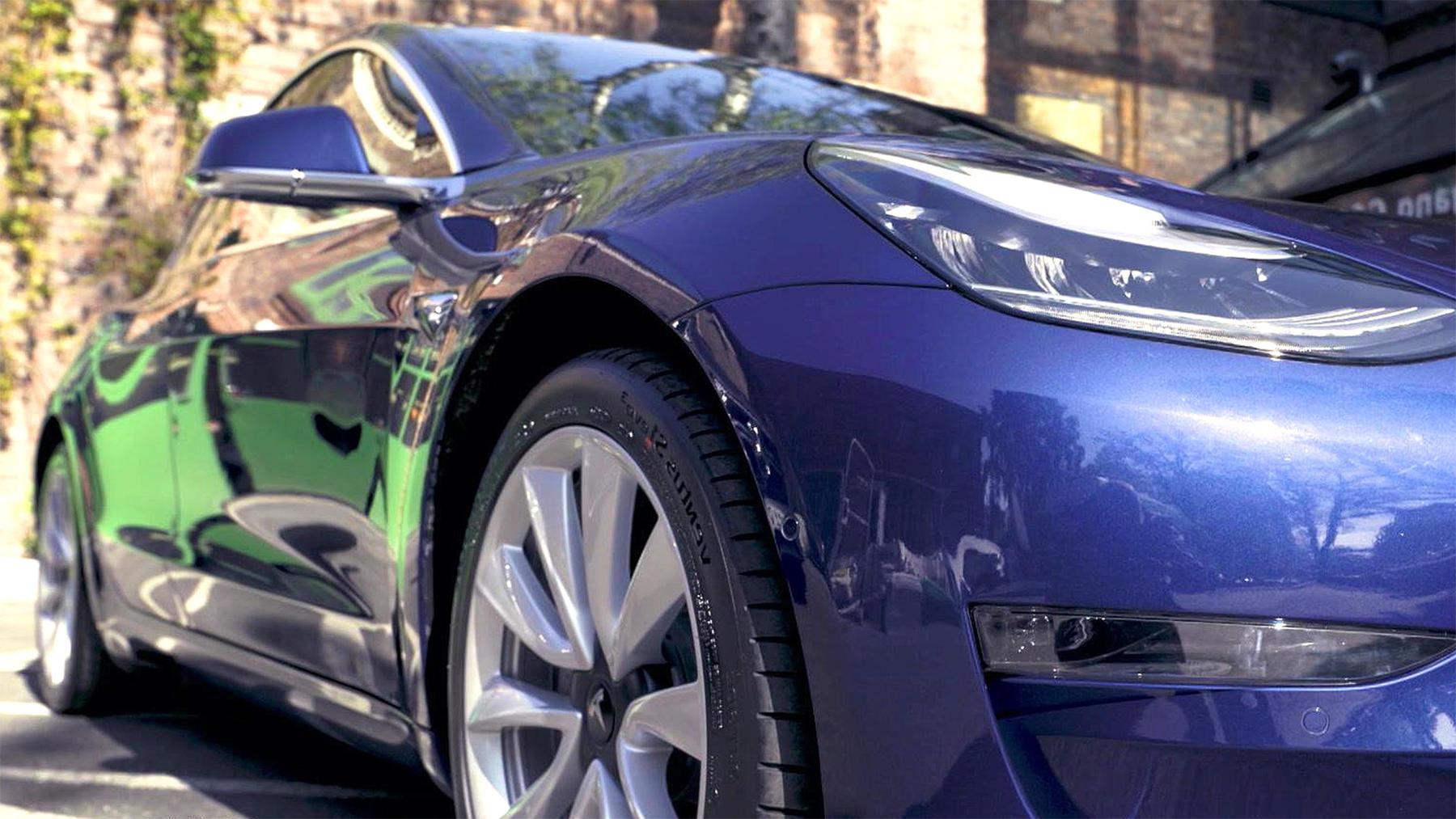 Thema heute u.a.: Fahrbericht Mercedes EQC vs. Tesla | Folge 24