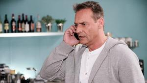 Britta beschließt, sich von Rufus scheiden zu lassen