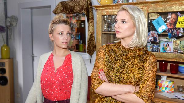 Lilly lädt Sunny und Emily zu einer Party ein