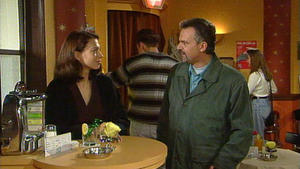 Gemeinsam schmieden Tina und André einen Racheplan.