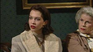 Tina stolpert von einem Missgeschick ins nächste.