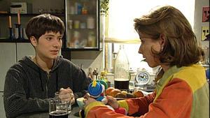 Ute gesteht Antonia, dass sie in Till verliebt ist.