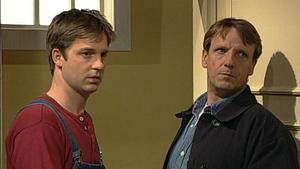 Bröcking weiht Bernd in die Observation Gehrmanns ein