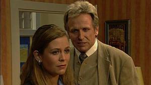 Natasha erkennt, dass ihr Vater ein Mörder ist
