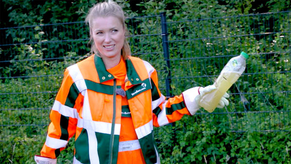 Thema heute u.a.: Müllbeseitigung an der Autobahn mit Anni