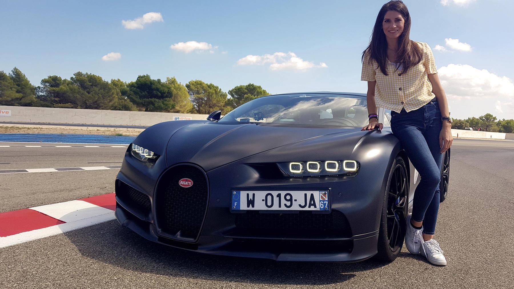 Cyndie Allemann lässt den Bugatti Chiron Sport von der Kette