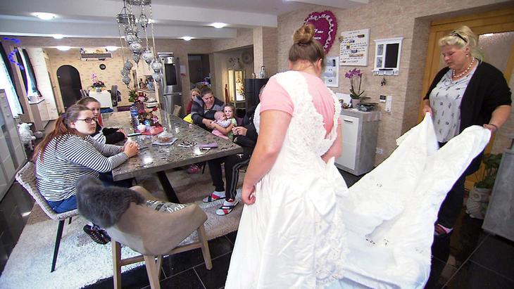 Hochzeits-Outfit muss her!, Ein | Folge 12
