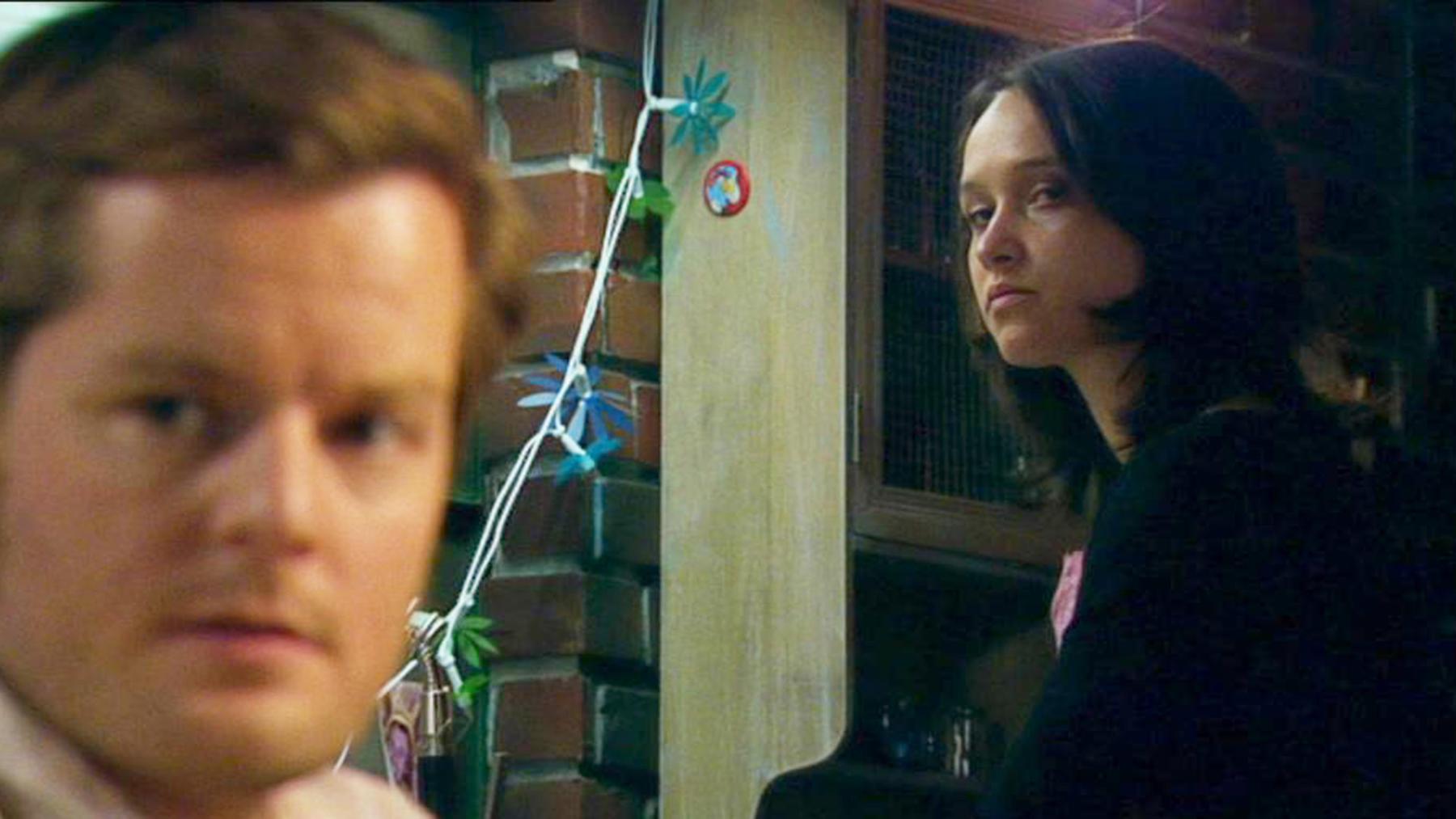 Ingos seltsames Verhalten macht Annette misstrauisch