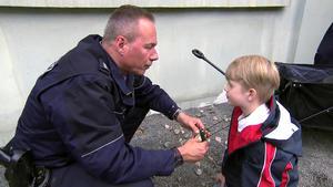 6-Jähriger will in Gefängnis einbrechen / Hilferuf im Eierkarton