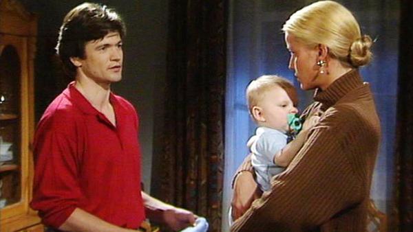 Michael verwehrt Claudia den Umgang mit Dominik.