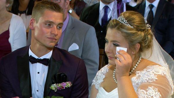 Sarafina und Peter heiraten standesamtlich und kirchlich