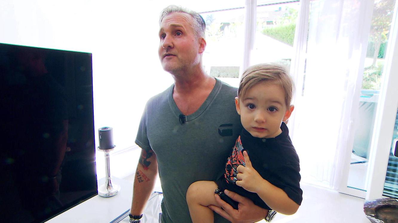 Folge 79 vom 14.11.2019 | Mensch Papa! Väter allein zu Haus | TVNOW