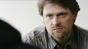 Lars will Stella beweisen, dass er den Entzug schafft.