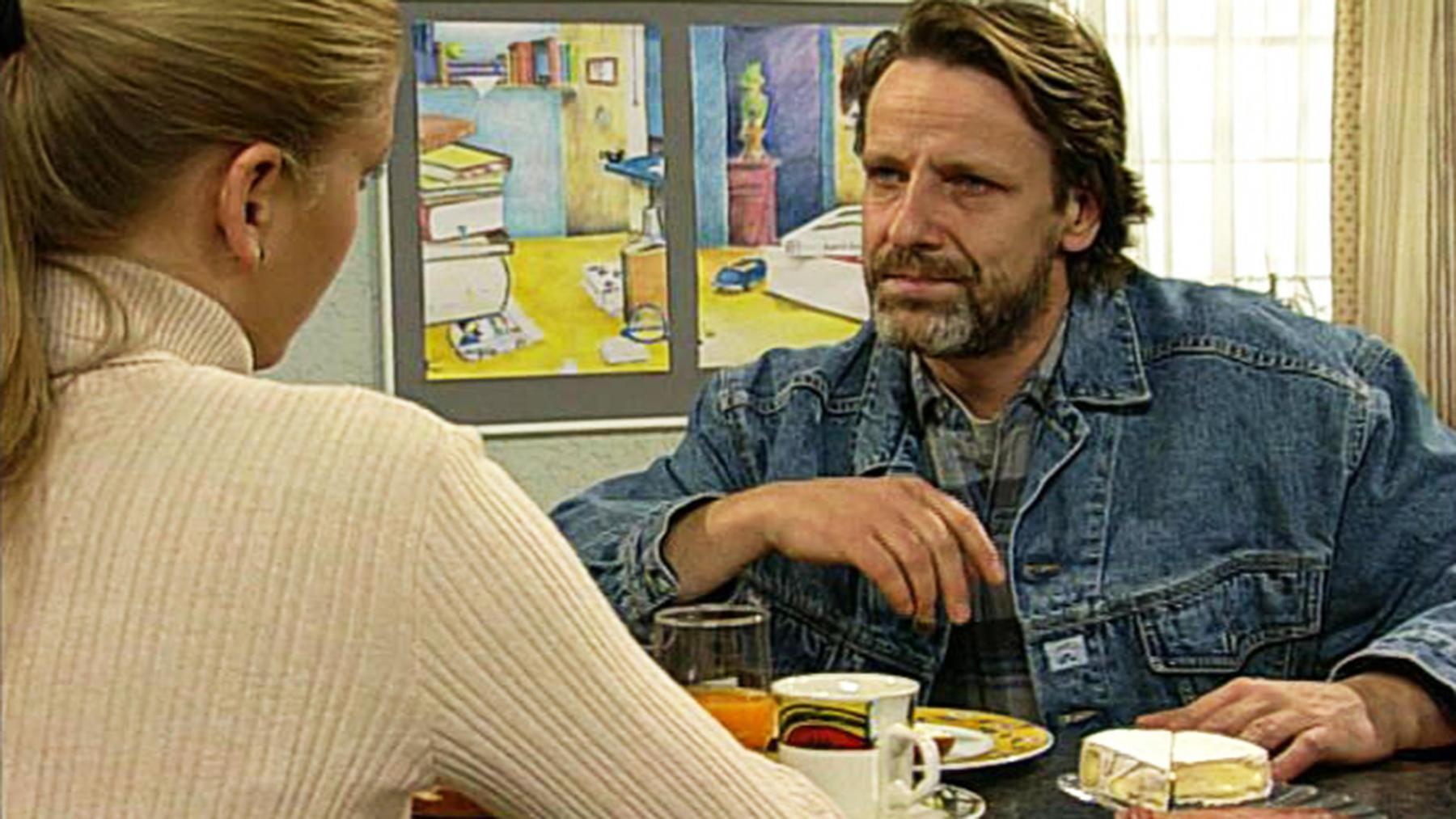 Thomas erfährt, dass Corinna mit Mike im Bett war.