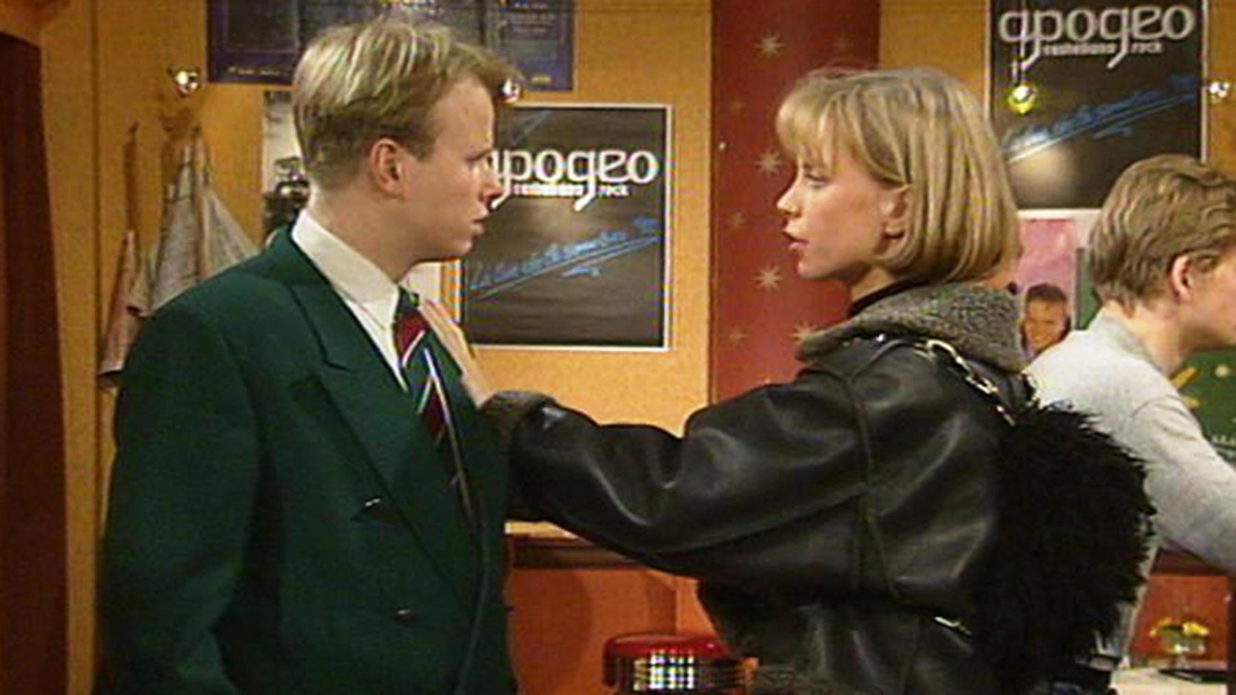 Tina und Tom helfen Beatrice bei ihrem Umzug.