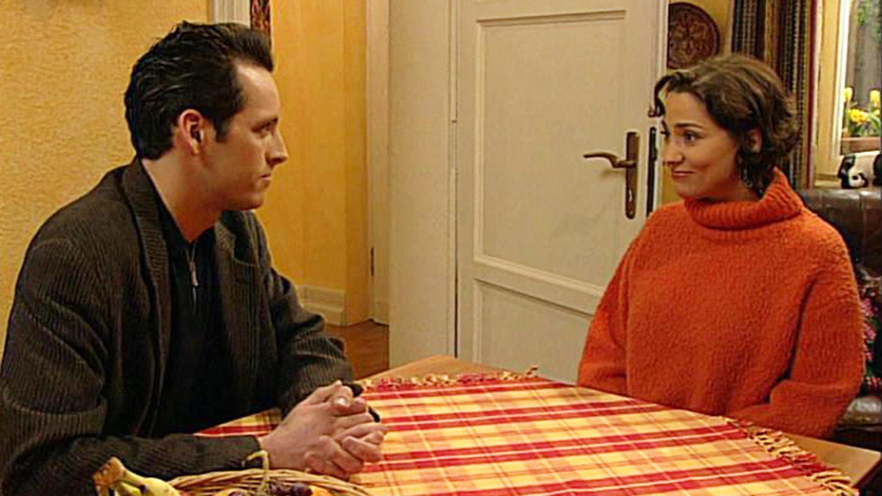 Bernd verlangt, dass Aylin Dominik rauswirft.