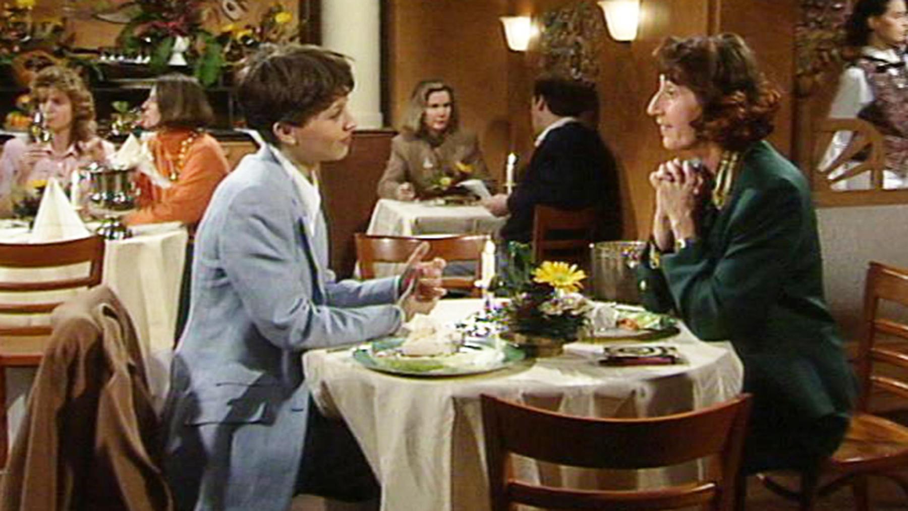 Toms Bruder Andy interessiert sich sehr für Tina.