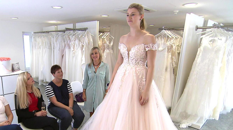 Brautkleider aus tüll und tränen