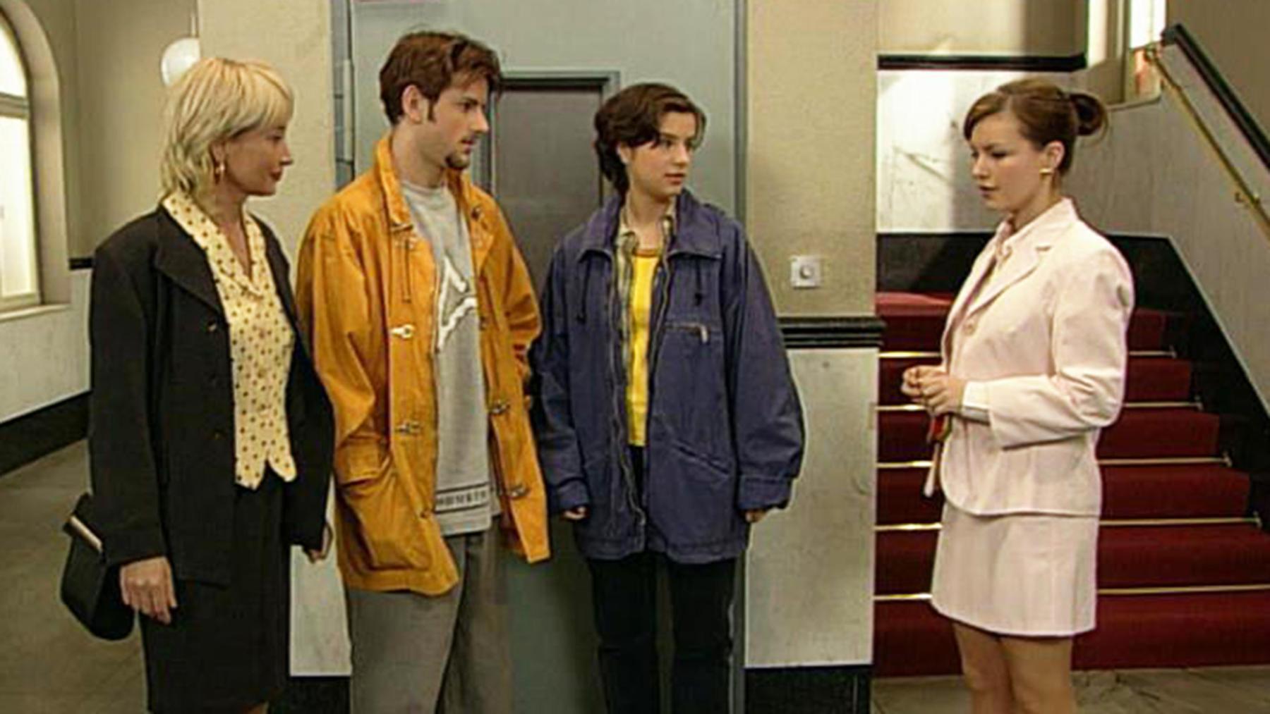 Marc und Laura werden zum Sozialdienst verurteilt.