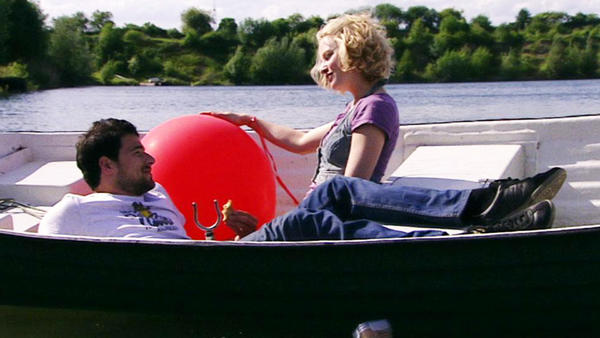 Lars gelingt es, Stella neue Hoffnung zu geben.