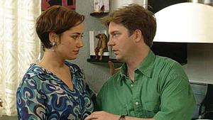 Jennifer und Nick versuchen, Tinnefeld zu besänftigen.