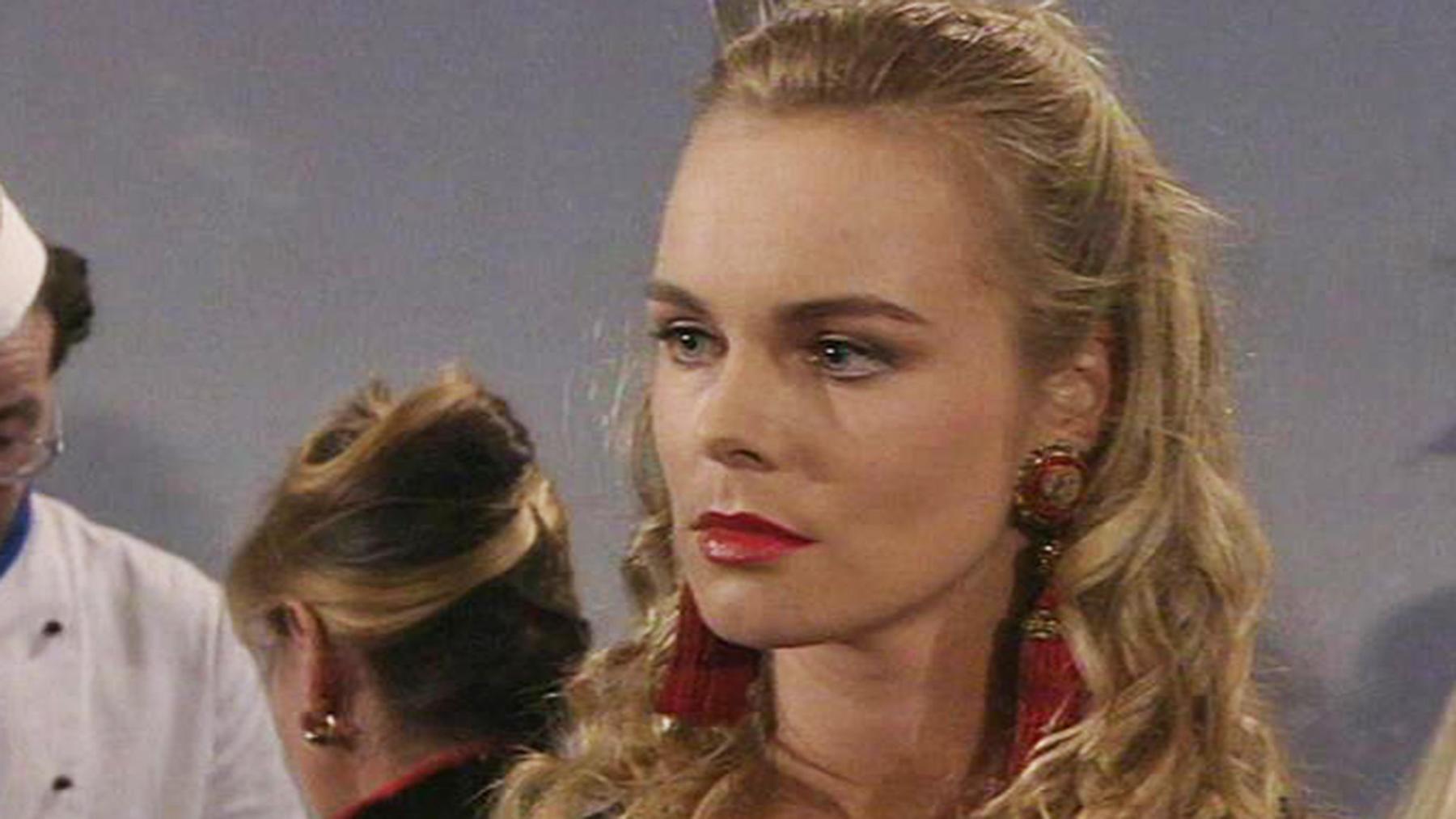 Saskia erfährt von Tinas und Peters Verhältnis.