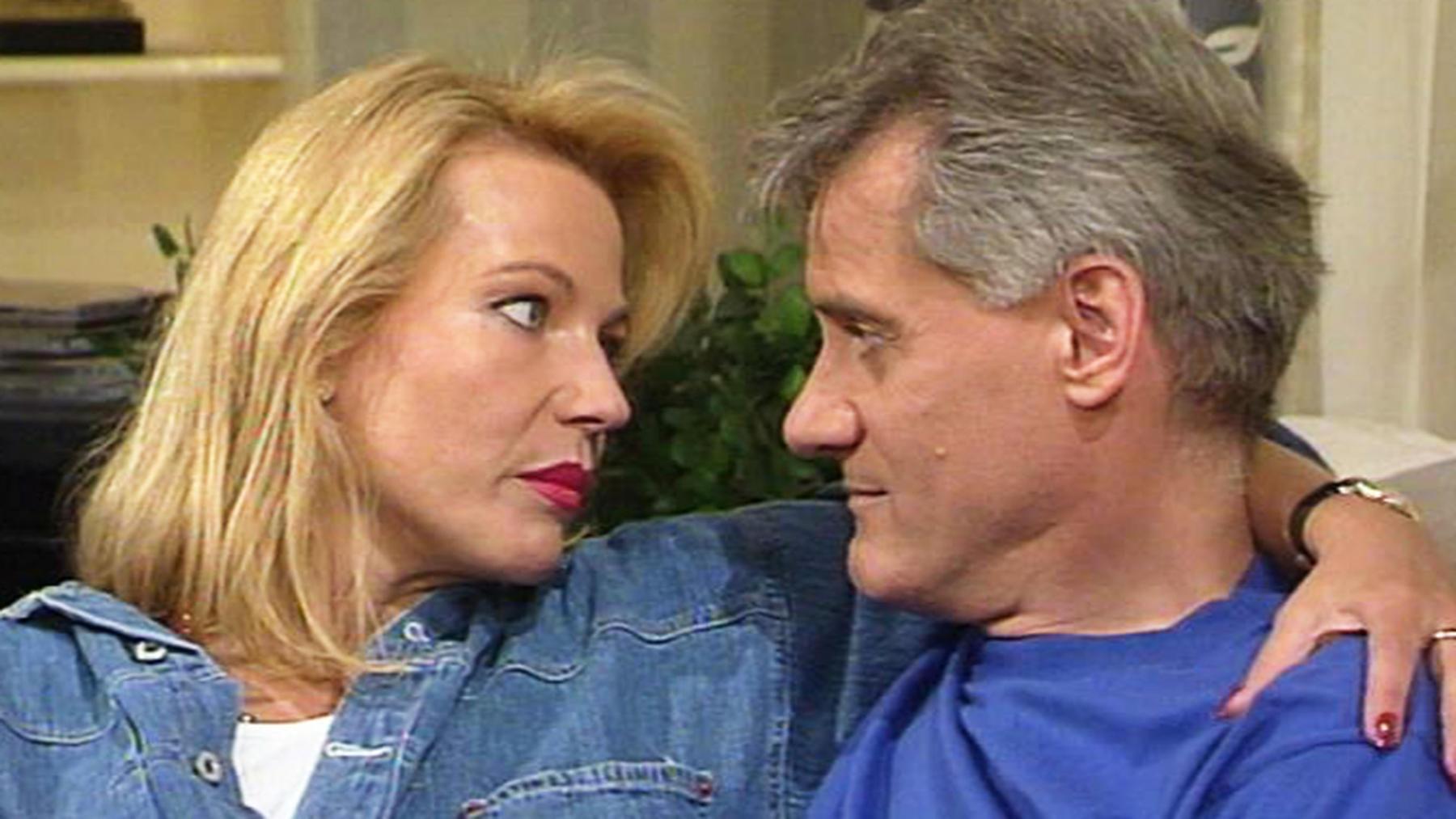 Daniel und Elisabeth laden Angela zum Mittagessen ein.