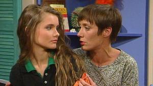 Peter bittet Melissa, nach Deutschland zu übersiedeln.