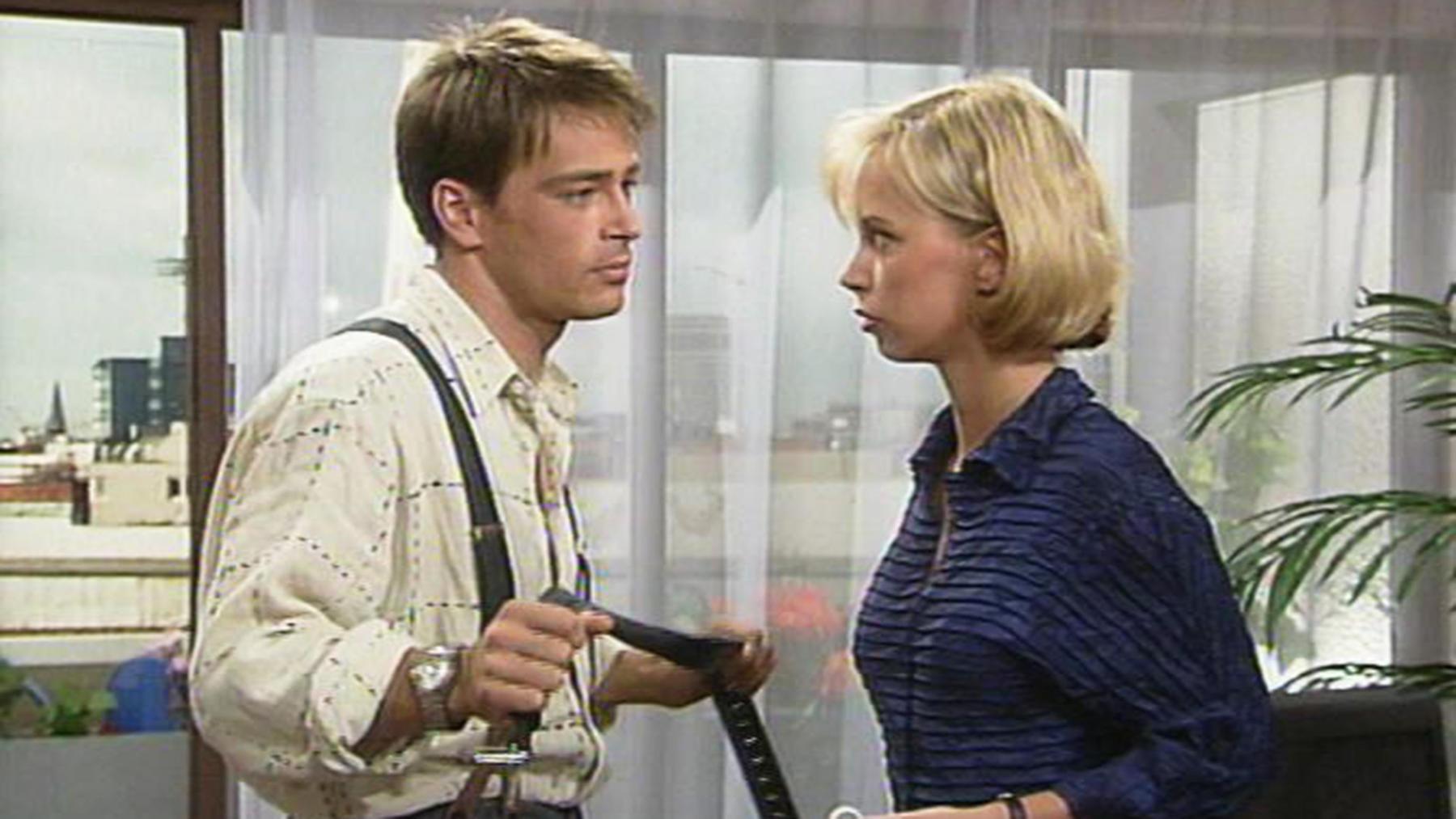 Klaus überredet Heiko, Motocross-Rennen zu fahren.