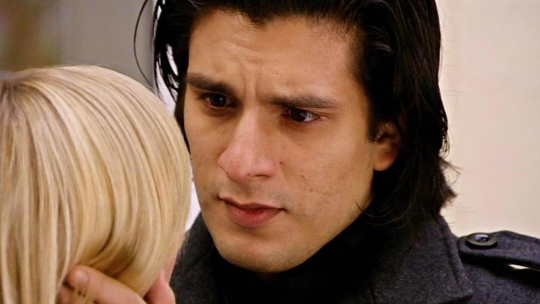 Lena erkennt, dass Maximilian sie manipuliert hat.