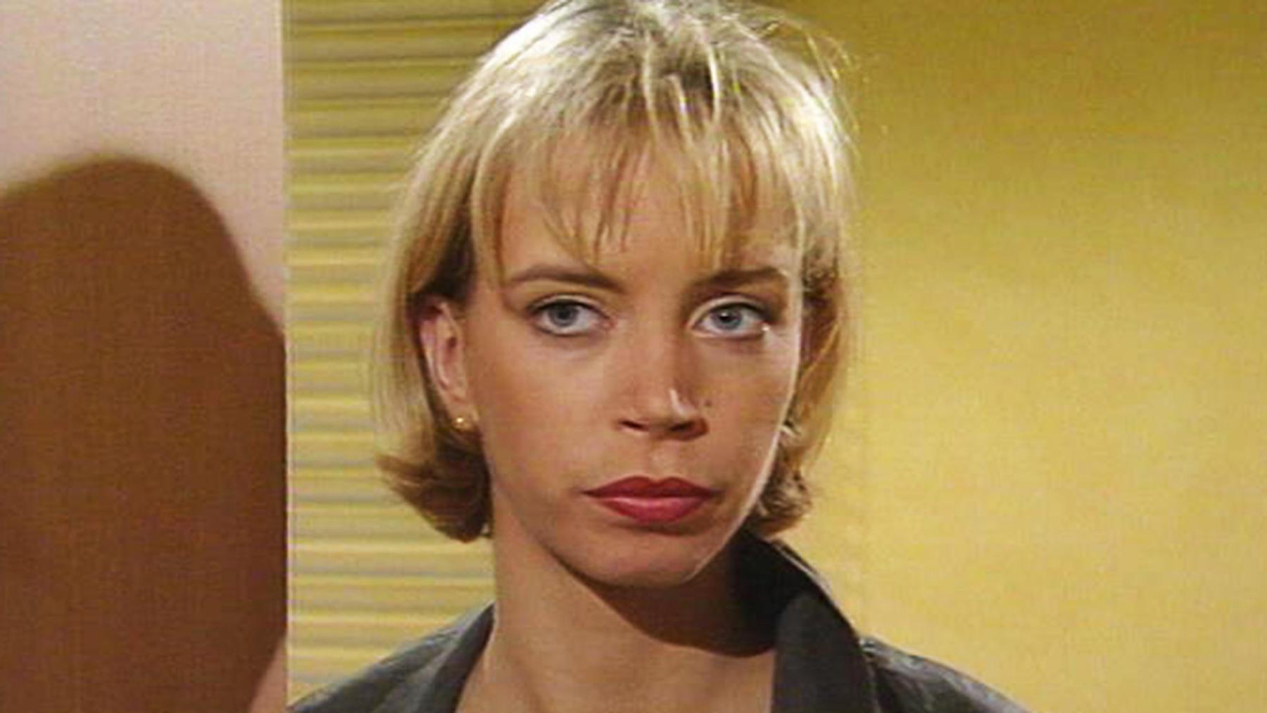 Saskia will Milla die geplante Abtreibung ausreden.
