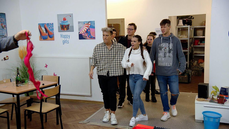 Folge 212 vom 10.03.2020   Krass Schule - Die jungen Lehrer   Staffel 4   TVNOW